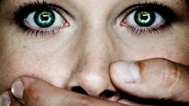 W Polsce każdego dnia 2 tysiące kobiet staje się ofiarą przemocy domowej. Tymczasem rząd chce się wycofać z konwencji antyprzemocowej