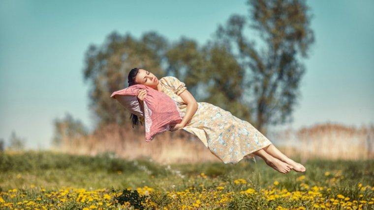 8 zaskakujących faktów o śnie
