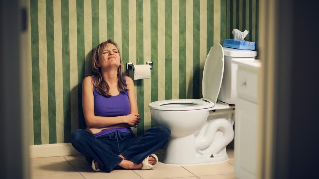Женщин в туалете