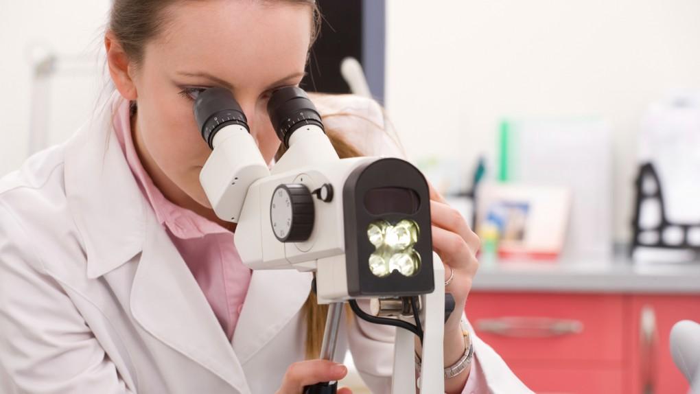 Rak szyjki macicy. Powinnaś znać te 6 czynników ryzyka