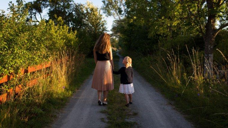 Wielozadaniowość, czyli multitasking w życiu matki nigdy jest dobrym, długofalowym rozwiązaniem.