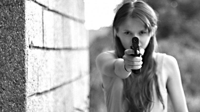 """""""Ratunkuuuuuu, on mnie nienawidzi"""". Jak przeżyć z nastolatkiem i nie zwariować"""