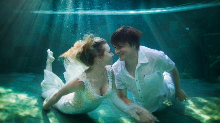 Dlaczego ludzie decydują się na małżeństwo, choć dobrze wiedzą, że to się nie uda?
