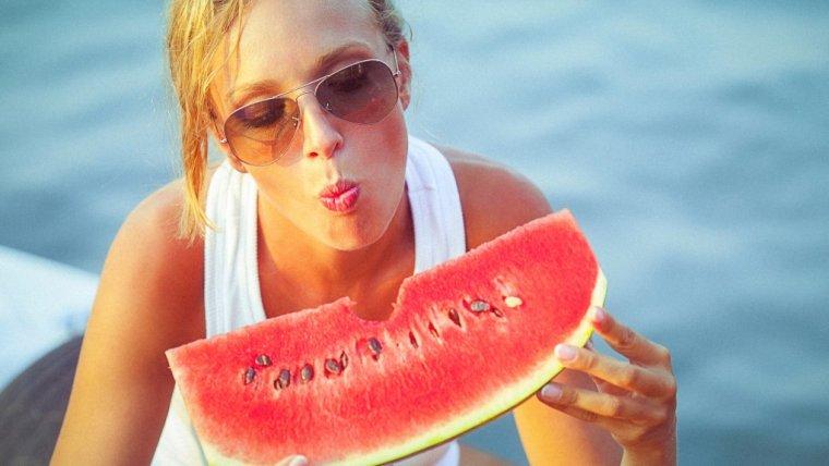 """Ujemne kalorie naprawdę istnieją"""". Sprawdź, czym są kalorie na minusie i czy warto zwracać na nie uwagę"""