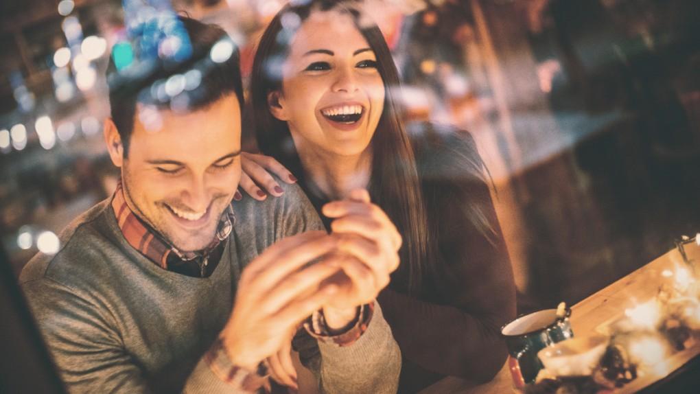 Po czym poznać, że dziewczyna chce związku, przygody, a może przyjaźni?
