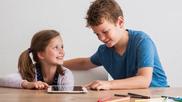 Akcja motywacja! Jak wspierać ambicję dziecka i sprawić, że polubi naukę?