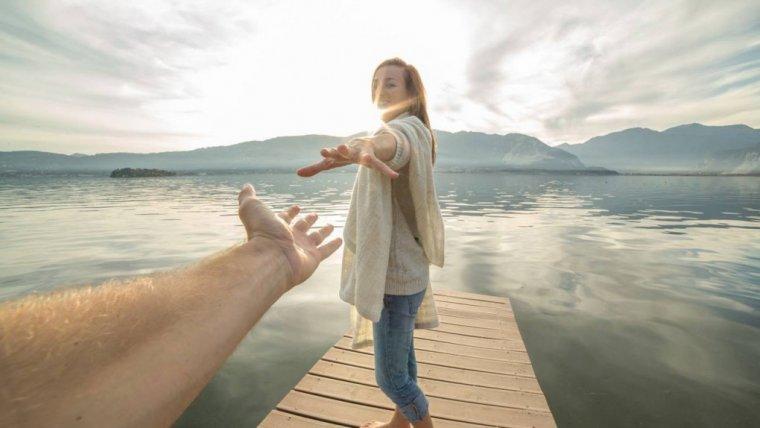To, czy powinniśmy utrzymywać kontakt z byłym partnerem, zależy do tego, która z motywacji nami kieruje.