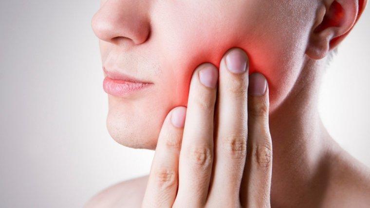 8 sprawdzonych, domowych sposobów na ból zęba