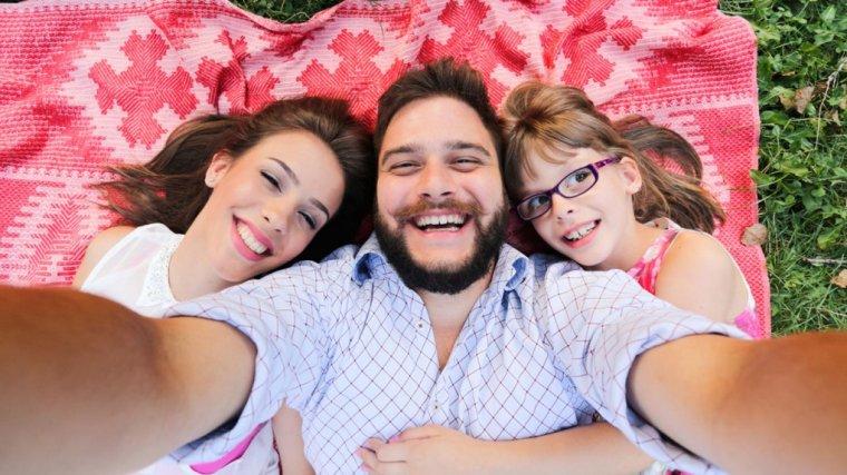 Samotny rodzic randkuje po rozwodzie