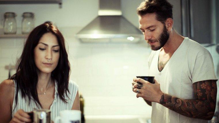 10 potencjalnych sygnałów, że twój partner cię zdradza