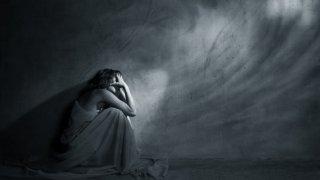 4 autodestruktywne zachowania niekochanych córek