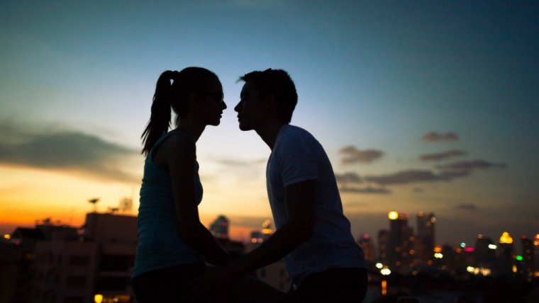 Co masz na myśli przez randki względne?