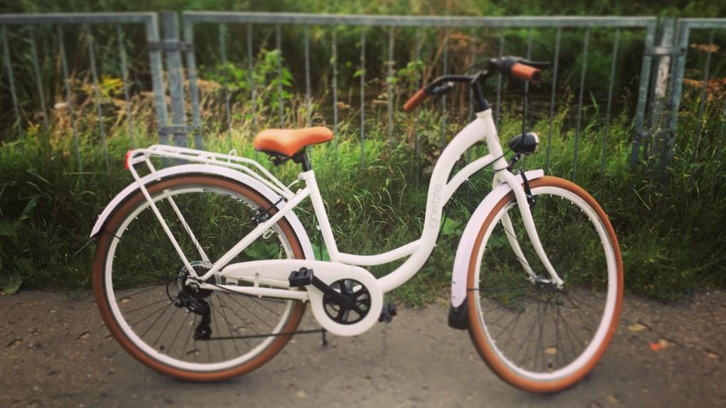 """Kup babo rower, żaden lowelas tak cię nie odmłodzi! Wsiadłam, pojechałam, żyję i mam się świetnie. Jak testowałam """"miejskie cudo"""""""